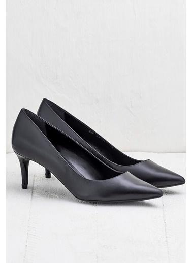 Elle İnce Topuklu %100 Deri Ayakkabı Siyah
